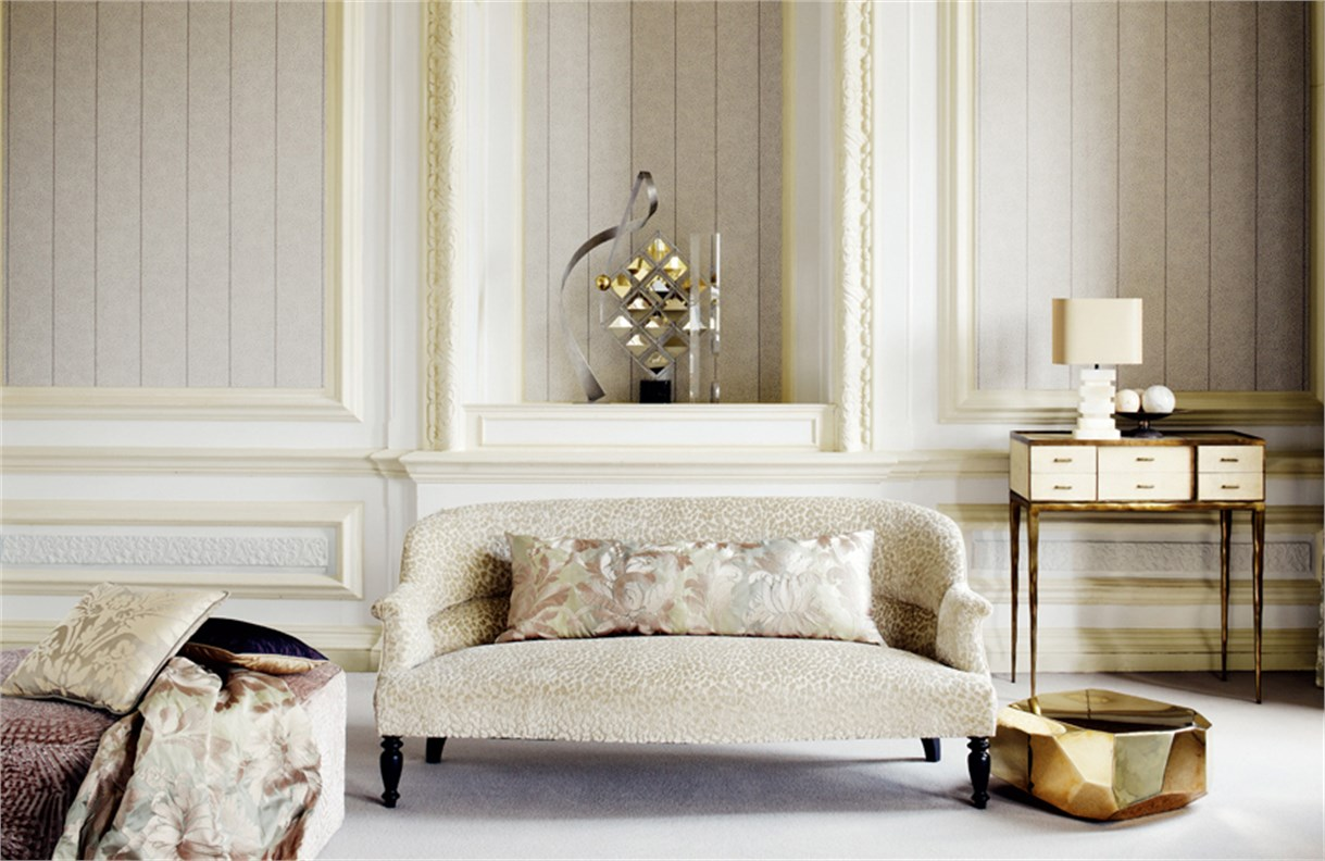 1. Zoffany-Poesy-Wallpapers-Tanager-wallpapers-luxurious-wallpaper