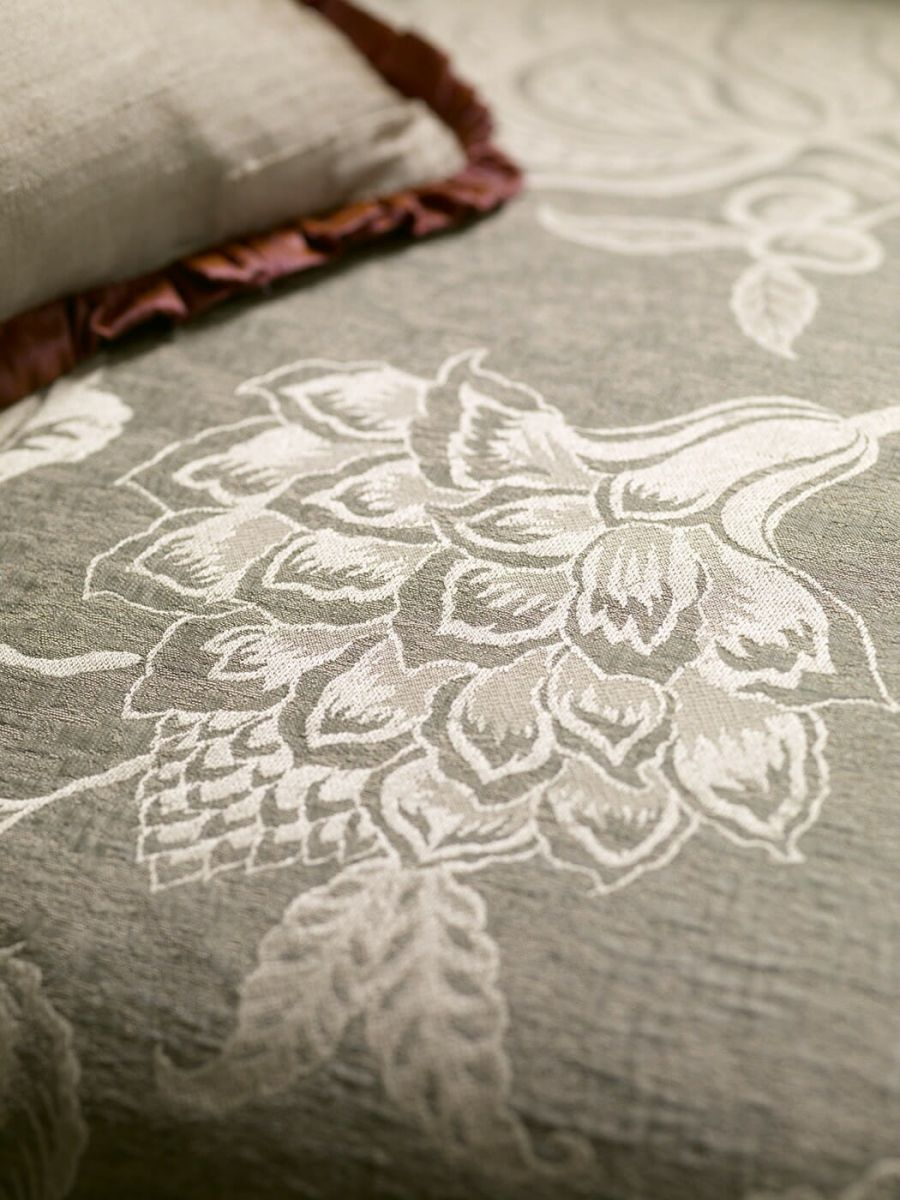 Palampore_fabric_detail_1